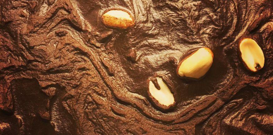 Chokladtårta med jordnötter